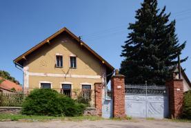 House, Praha-východ, Nučice