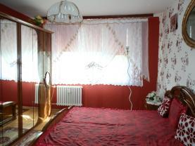 ložnice (Flat 3+1, 80 m2, Louny, Postoloprty, Třebízského náměstí)
