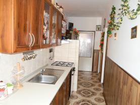 kuchyň (Flat 3+1, 80 m2, Louny, Postoloprty, Třebízského náměstí)