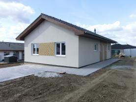 Prodej, rodinný dům 4+kk, 805 m2, Počaply