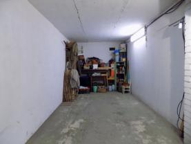 3-DSCN1038 (Garage, Praha 4, Praha)