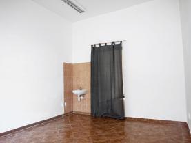 přední část kancelářských prostorů (Shop for rent, Ústí nad Labem)