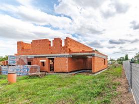 Prodej pozemku k bydlení, 1090 m², Horní Beřkovice