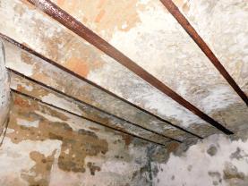 DSCN5100.jpg (Prodej garáže, 127 m², Karlovy Vary, ul. Mattoniho nábřeží), foto 4/6