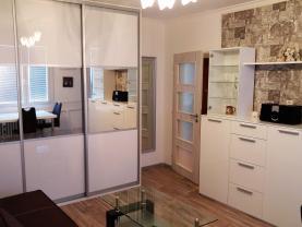 Pronájem bytu 1+kk, 33 m², Praha, ul. Veltruská