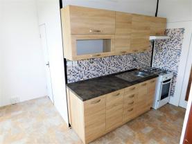 DSCN0380.jpg (Pronájem bytu 4+1, 84 m², Karlovy Vary, ul. Svobodova), foto 2/20