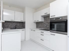 Pronájem, byt 1+kk, 41 m2, Pardubice - Polabiny