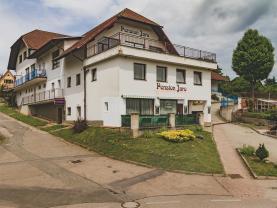 Prodej, hotel, penzion, 1481 m², Chocerady