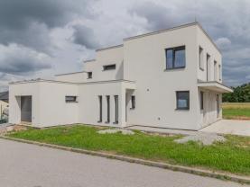 Prodej rodinného domu, 726 m², Adamov, ul. K Rybníku