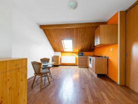 Pronájem bytu 2+1, 70 m², Tlučná, ul. Hlavní