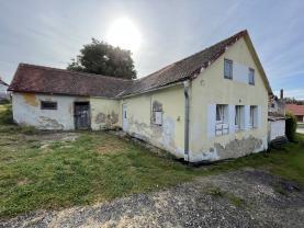 Prodej rodinného domu, 685 m², Malonty