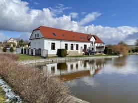 Prodej rodinného domu, 600 m², Varvažov