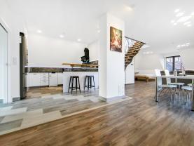 Prodej rodinného domu, 350 m², Zdice, ul. Palackého náměstí