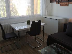 004a.jpg (Pronájem bytu 1+kk, 33 m², Praha, ul. Veltruská), foto 4/8