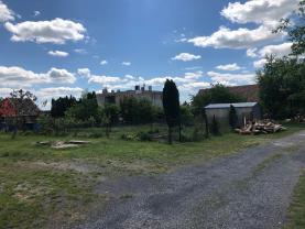 Prodej pozemku k bydlení, 2533 m², Kněževes, ul. Štrosova