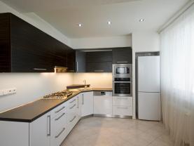 Prodej bytu 3+kk, 70 m², Rožnov pod Radhoštěm, ul. 1. máje